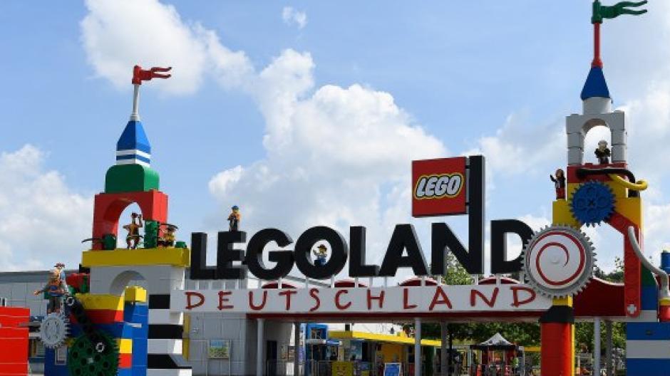 Das Legoland vor den Toren Günzburgs ist ein Tourismus-Motor für die ganze Region. Mit seiner Bewerbung setzte es sich 1999 gegen die japanische Hauptstadt Tokio durch.
