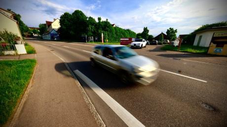 In der Dorfstraße in Finningen herrscht künftig durchgehend Tempo 30. Und auch in Steinheim müssen Autofahrer vom Gas.