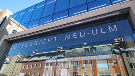 Ein Mann wurde am Neu-Ulmer Amtsgericht wegen einer Falschaussage verurteilt, doch ein Betrüger ist er wohl nicht.