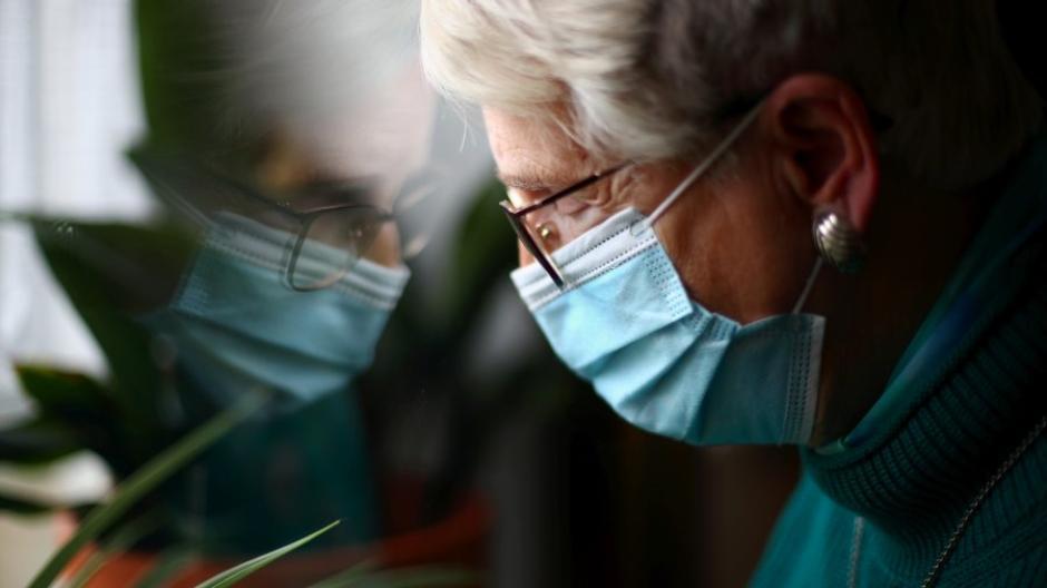 Viele Senioren haben in der Corona-Krise unter Einsamkeit gelitten.