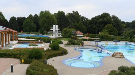 Wer in der Gerfriedswelle in Gersthofen baden möchte, muss strenge Bestimmungen befolgen.