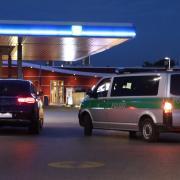Am Freitag fand eine Kontrollaktion in Augsburg statt: Die Polizei kontrollierte die Autoposerszene.