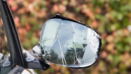 Ein Schaden von etwa 800 Euro ist am Mittwochabend bei einem Unfall in Fischach entstanden.