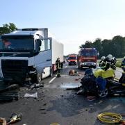 Auf der neuen Fahrbahn der Bundesstraße 10 zwischen Neu-Ulm und Nersingen ereignete sich am Sonntagmorgen gegen sieben Uhr ein Frontalzusammenstoß.