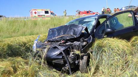 Bei Unterknöringen ist eine Autofahrerin von der Staatsstraße abgekommen.