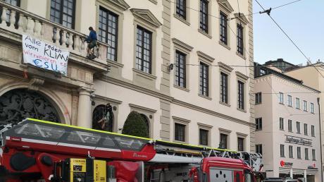 Wer soll für den Feuerwehreinsatz zahlen? Die Stadt prüft Konsequenzen. Die Klimacamp-Aktivisten hingegen fanden den Einsatz überflüssig.