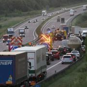 Ein Unfall hat auf der A8 zwischen Neusäß und Adelsried für Stau gesorgt.
