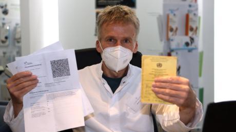 Auch für Apotheker Ulrich Koczian war es keine Frage, sich an der Ausstellung des digitalen Impfausweises zu beteiligen.