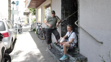 Gerhard und Nadine kommen fast täglich in den BeTreff in Augsburg-Oberhausen, um dort die Angebote wahrzunehmen.