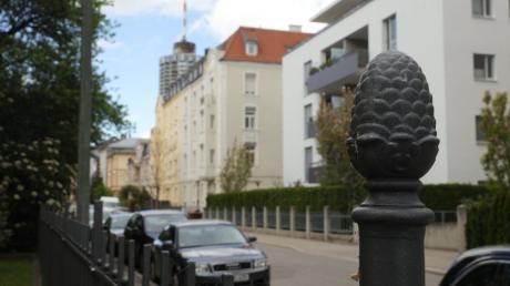 Im Antonsviertel, hier ein Blick in die Morellstraße, soll nach Willen der Grünen künftig Bewohnerparken gelten.