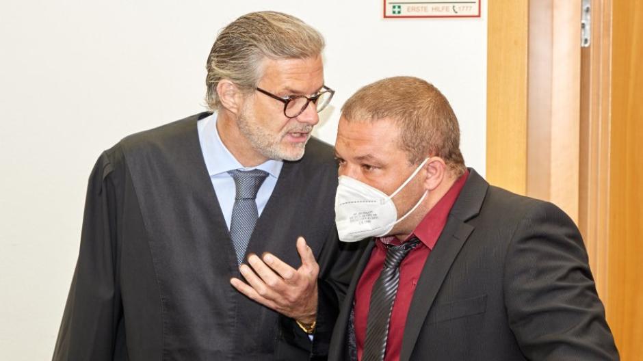 Der Ex-Chef der Augsburger AfD wird von Rechtsanwalt Moritz Bode vertreten.