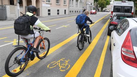 In der Frölichstraße wurde vor kurzem versuchsweise ein Radweg angelegt.