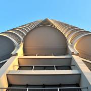 Der Hotelturm ist eines der markantesten Augsburger Wahrzeichen. Nach jahrzehntelanger Pause im Hochhausbau könnten nun weitere Projekte umgesetzt werden.
