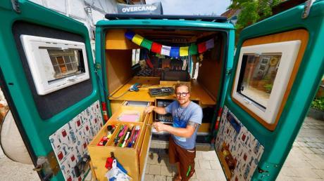 Matthias Wölfl aus Nordholz hat einen Lieferwagen mit Allradantrieb zu einem geländetauglichen Reisemobil für sich und seine Familie umgebaut.