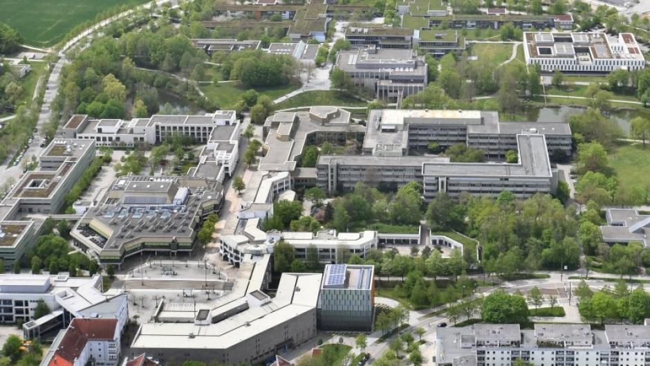 Nach einem mutmaßlichen Spionagefall an der Uni Augsburg stellt sich die Frage nach dem Schutz wichtiger Forschungsergebnisse.
