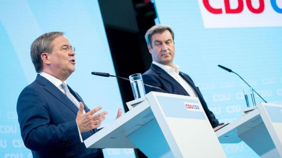 Kanzlerkandidat Armin Laschet (links) und CSU-Chef Markus Söder stellen das Programm von CDU und CSU vor.