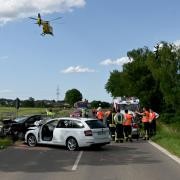 Vier Verletzte, darunter zwei hochschwangere Frauen, sind die Bilanz eines schweren Verkehrsunfall am Montagnachmittag zwischen Langenau und Elchingen.