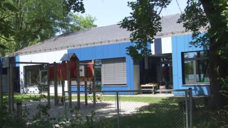 Das Gelände ist verwaist. Über 60 Kinder von St. Michael in Fischach sind wegen Corona in Quarantäne.