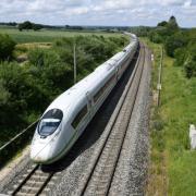Die Bahnstrecke zwischen Augsburg und München ist aktuell gesperrt.