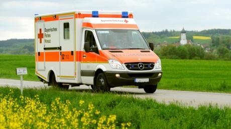 Ein Mofafahrer ist in Höchstädt gestürzt und musste ins Krankenhaus.