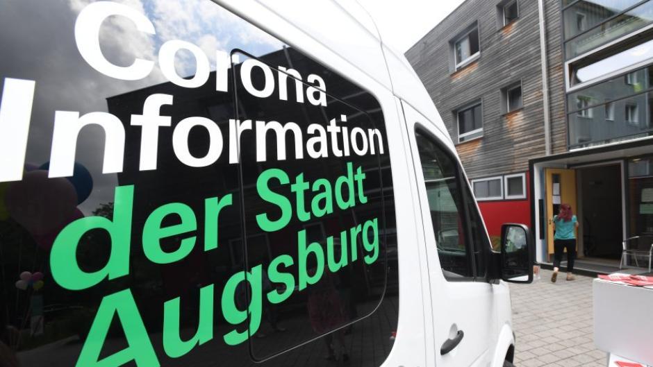 Die Corona-Inzidenz in Augsburg ist innerhalb eines Tages deutlich gestiegen.