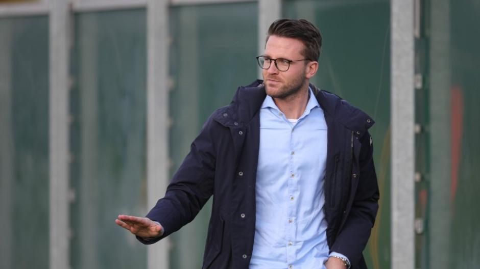 Timon Pauls ist Kaderplaner beim FC Augsburg. Der FCA warb ihn vom FC Bayern ab, wo er Chefscout im Nachwuchsbereich war.