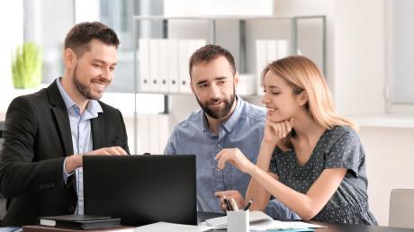 Die Mitarbeiter der Banken der Region bieten persönliche und kompetente Beratung in ihren Geschäftsstellen vor Ort und nehmen sich viel Zeit für ihre Kunden.