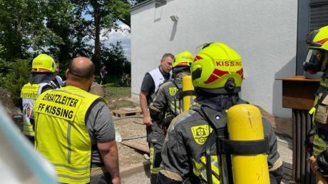 Die Feuerwehr Kissing musste am Mittwoch im Krematorium in Kissing einen Schwelbrand löschen.