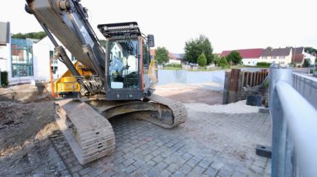 Die Bauarbeiten für das Mehrgenerationenhaus in Gundremmingen gehen voran. Am Donnerstag wurde im Gemeinderat die Tagespflege vorgestellt, die darin entstehen wird.