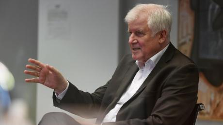 Horst Seehofer steht seit fünf Jahrzehnten auf der politischen Bühne – nach der Bundestagswahl im September soll Schluss sein.