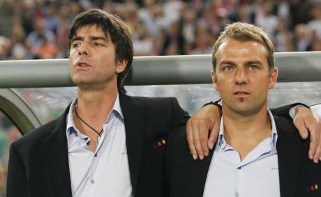 Acht Jahre lang arbeitete Hansi Flick als Co-Trainer mit Bundestrainer Joachim Löw zusammen. Ab September betreut er nun in verantwortlicher Position die besten Spieler des Landes. Im Vergleich zu seinem Vorgänger dürfte sich einiges verändern.