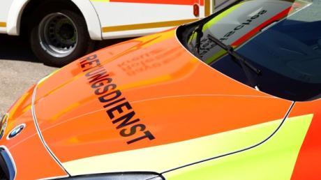 Bei Stätzling hat ein Lasterfahrer einen Autofahrer übersehen und beide sind zusammengestoßen.