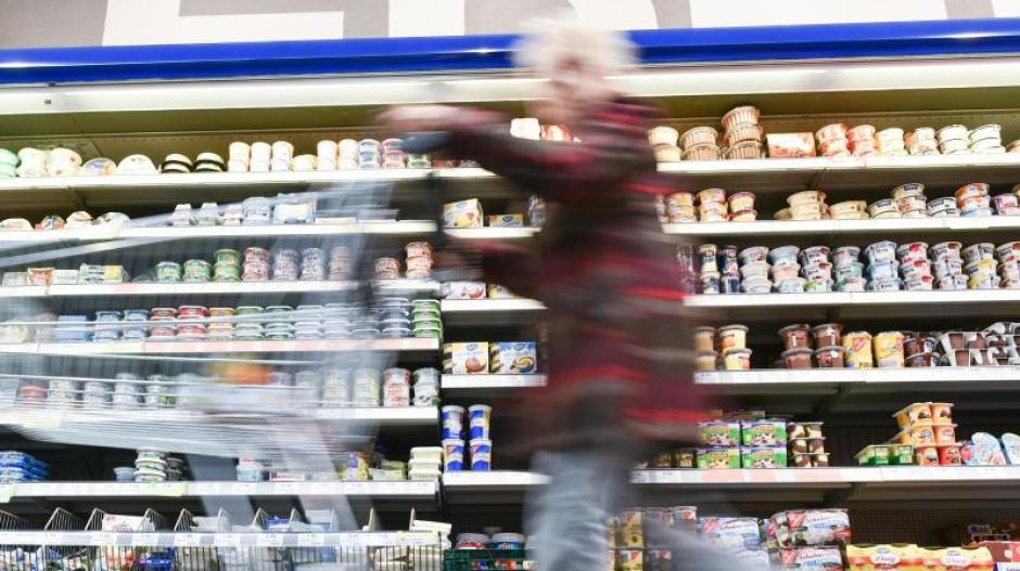 Einkaufen und selbst bezahlen, das gibt es schon in vielen Supermärkten. Neu ist jetzt aber, dass das in Kleinstsupermärkten rund um die Uhr von Montag bis Samstag möglich ist.