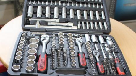 Ein Werkzeugkoffer sollte offenbar zur Diebesbeute eines 25-Jährigen gehören.