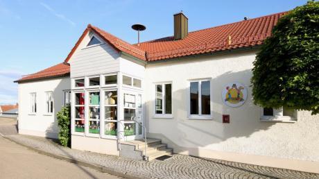 """Die Kindertagesstätte """"Schwalbennest"""" im Röfinger Ortsteil Roßhaupten: Zum 1. September 2021 werden auch dort höhere Elternbeiträge gelten."""