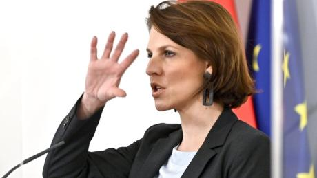 Karoline Edtstadler gilt als enge Vertraute von Sebastian Kurz.