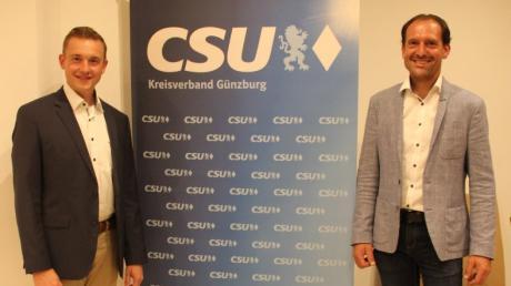 Neuer Vorsitzender der CSU Jettingen-Scheppach ist Christian Weng (links). Bei der Ortsverbandssitzung war auch Bundestagskandidat Alexander Engelhard zu Gast.