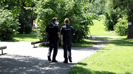 Auch für die Helfer war das tragische Unglück auf dem Spielplatz in Augsburg-Oberhausen belastend.
