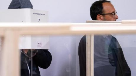 Der Täter (l)und sein Anwalt Adam Ahmed wollen das Urteil anfechten.