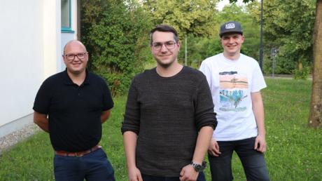 Benjamin Schnitzler (links) übergab sein Präsidenten-Amt an Michael Huber. Stefan Jaschek (rechts) fungiert künftig als Zweiter Vorstand.