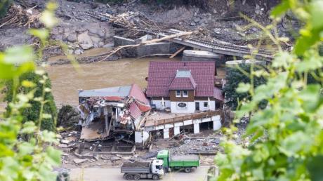Ein vom Fluss Ahr zerstörtes Haus in Marienthal.