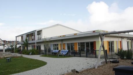 Auf dem Flachdach der Kita Heuweg wird ein Obergeschoss aufgebaut. Darin finden zwei weitere Kindergartengruppen Platz.