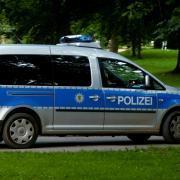 Die Polizei hatte in der Nacht auf Sonntag in Ulm in der Friedrichsau zu tun.