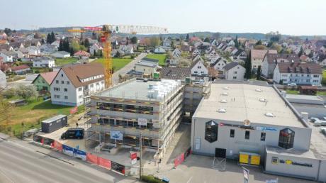So sieht das Gesundheitszentrum aus der Luft aus. Es entsteht am Ortseingang von Jettingen.