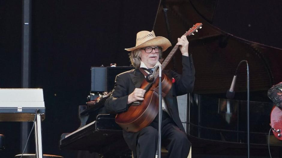 Helge Schneider spielte beim Strandkorb-Open-Air nur 40 Minuten - danach brach er das Konzert ab.