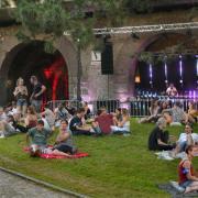 Ein ganzes Wochenende wurde die Grünfläche inmitten des Kreisverkehrs Blaubeurer Ring zum Veranstaltungsgelände.