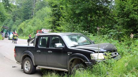 Zwischen Klosterbeuren und Reichau wurden sechs Personen bei einem Autounfall leicht verletzt, nachdem eine SUV-Fahrerin einem anderen Wagen die Vorfahrt genommen hatte.