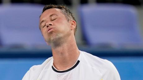Philipp Kohlschreiber ärgerte sich über seine knappe Niederlage gegen den Griechen Tsitsipas. Damit sind die Olympischen Spiele in Toktio für ihn zu Ende.