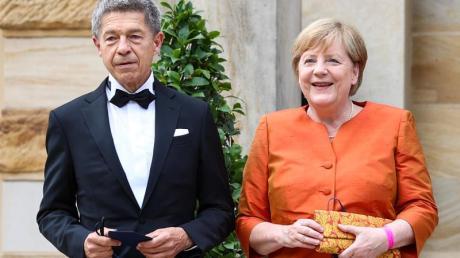Kanzlerin Angela Merkel und ihr Mann Joachim Sauer freuen sich auf die Wagner-Festspiele.