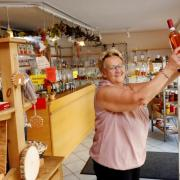 Jutta Kempter gibt ihre Weingalerie in Weißenhorn nach 18 Jahren auf. Ihr tut es vor allem leid um die Kunden.